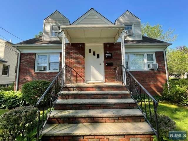 2 BR,  1.00 BTH 2 family style home in Rutherford