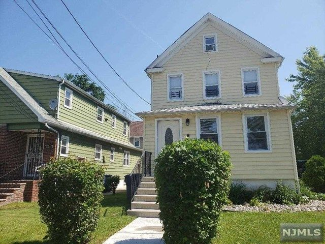 2 BR,  1.00 BTH 2 family style home in Hackensack
