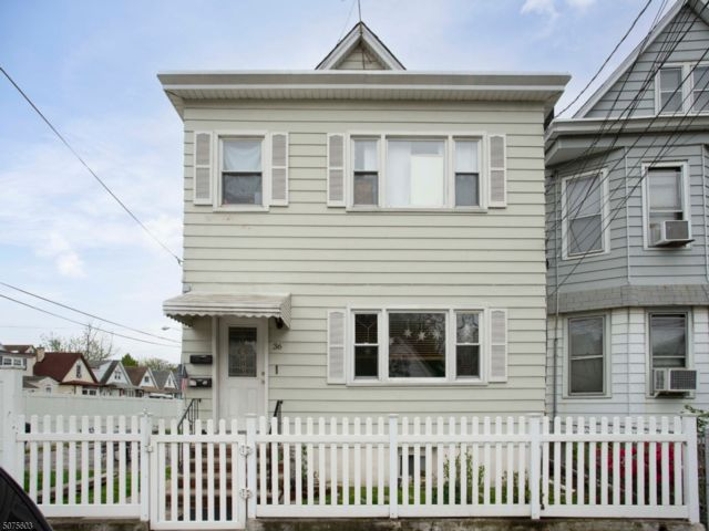 4 BR,  3.00 BTH Multi-family style home in Garfield