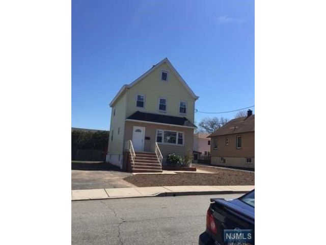 2 BR,  2.00 BTH House style home in Secaucus