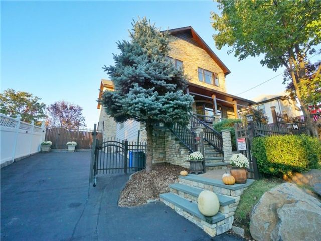 5 BR,  4.00 BTH Single family style home in Richmond Valley