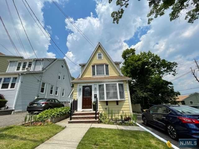 2 BR,  2.00 BTH Colonial style home in Rutherford