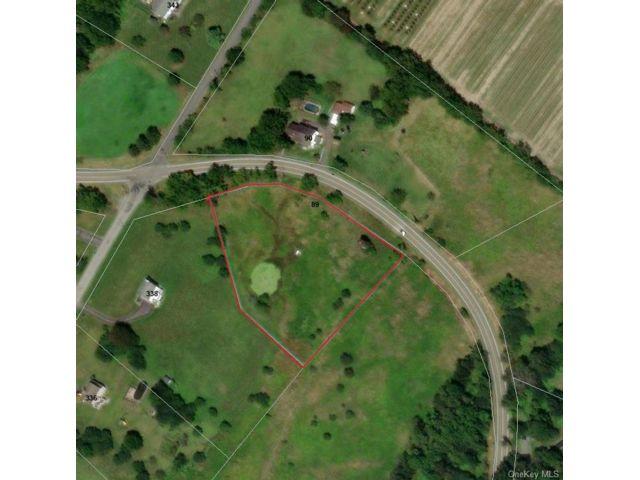 Lot <b>Size:</b>  Land style home in Hamptonburgh