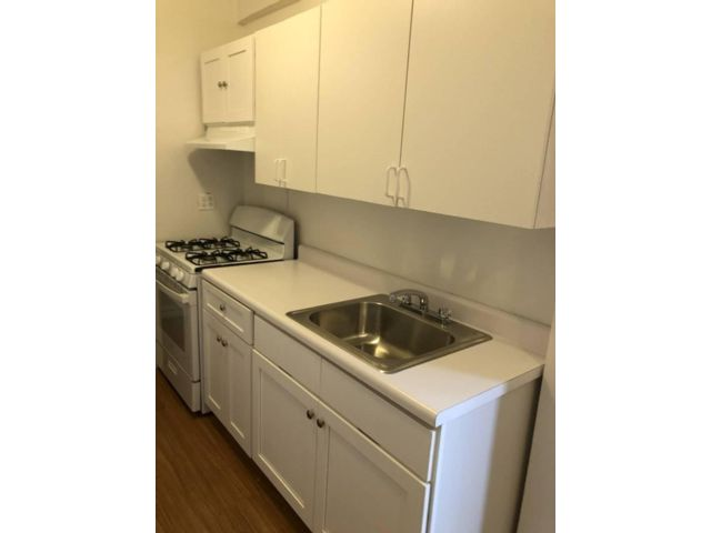 1 BR,  1.00 BTH  style home in Jackson Heights