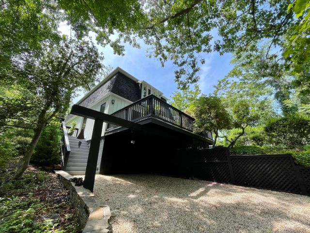 3 BR,  2.50 BTH  style home in Shelter Island