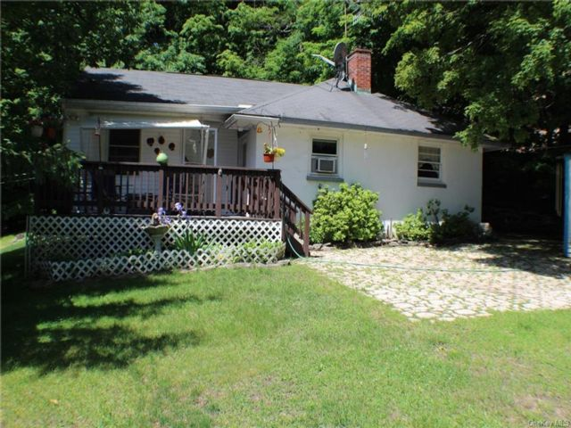 2 BR,  2.00 BTH Ranch style home in Neversink