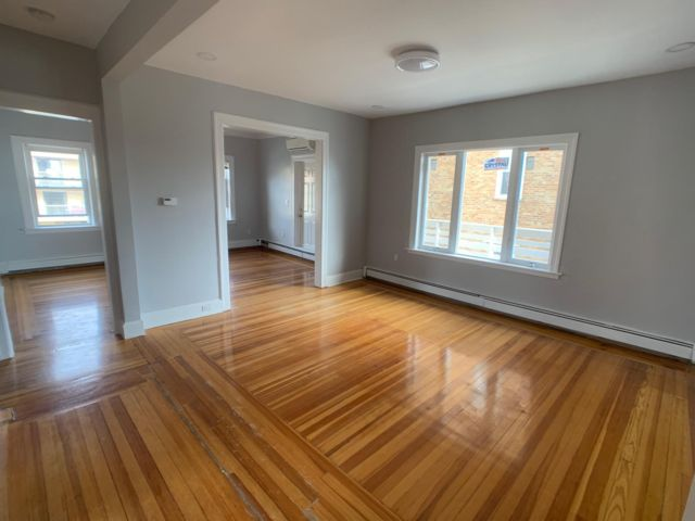 2 BR,  2.00 BTH Apartment style home in Belle Harbor