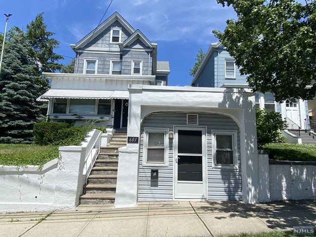 1 BR,  1.00 BTH Multi-family style home in Carlstadt