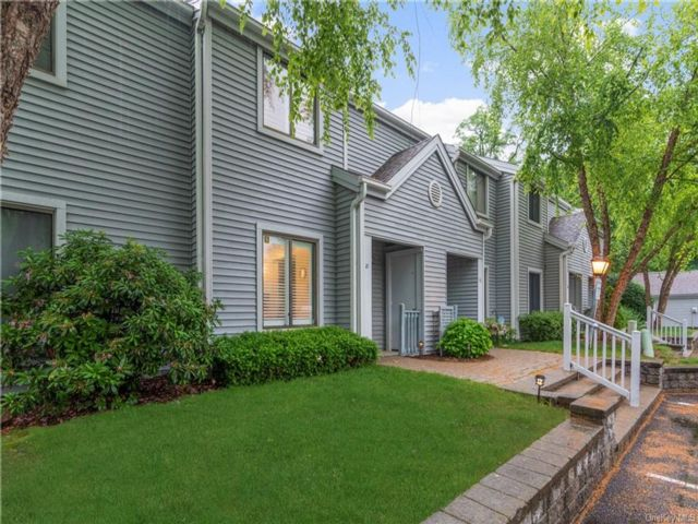 2 BR,  3.00 BTH Townhouse style home in Yorktown