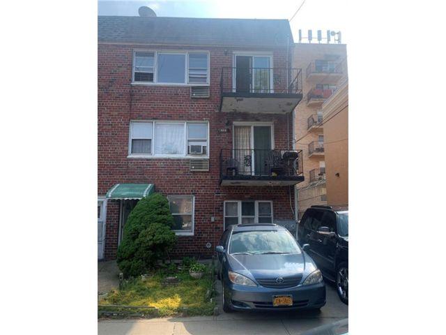 9 BR,  5.00 BTH Multi-family style home in Canarsie