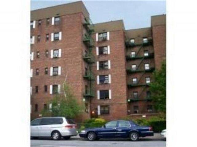 [Midwood Real Estate, listing number 6993264]