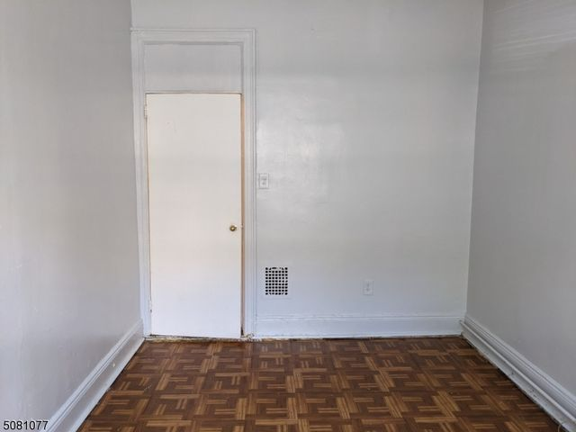 2 BR,  1.00 BTH House style home in Bayonne