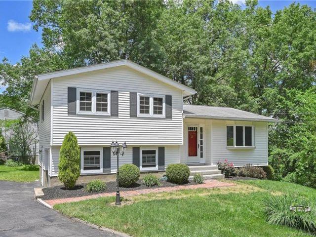 3 BR,  2.00 BTH Split level style home in New Windsor