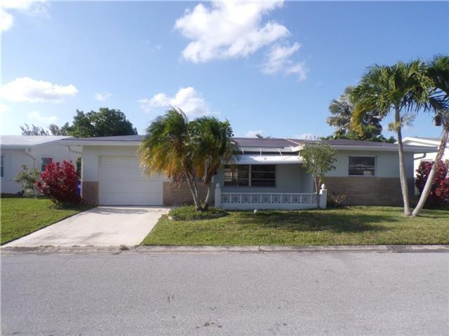 2 BR,  2.00 BTH Ranch style home in Margate