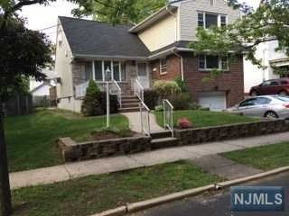 5 BR,  2.00 BTH Colonial style home in Ridgefield