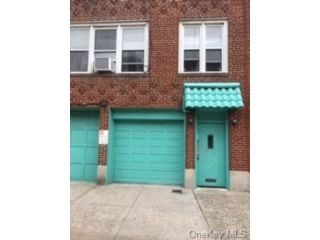 6 BR,  2.00 BTH Other style home in Morrisania