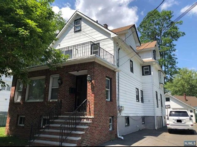 4 BR,  4.00 BTH 2 family style home in Teaneck
