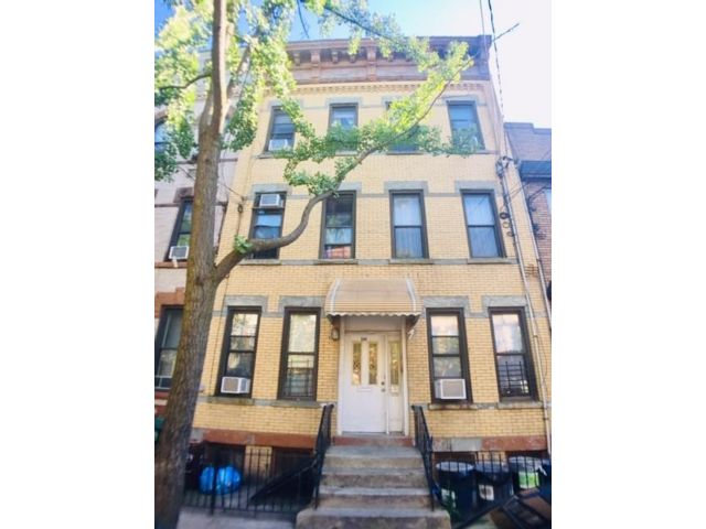12 BR,  0.00 BTH Multi-family style home in Ridgewood