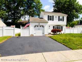 3 BR,  1.50 BTH Colonial style home in Hazlet