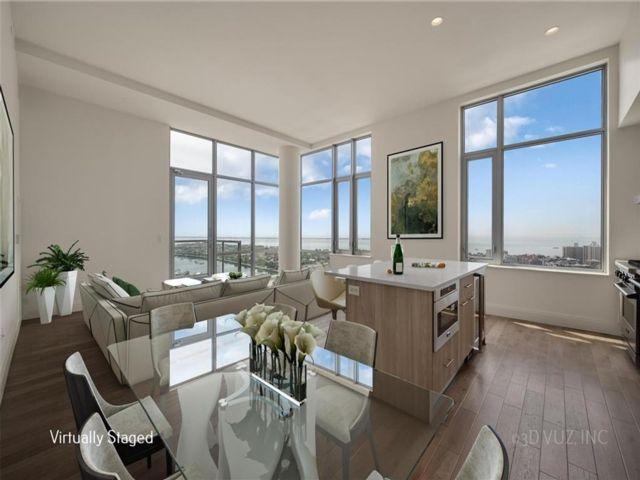 3 BR,  3.00 BTH Condominium style home in Sheepshead Bay