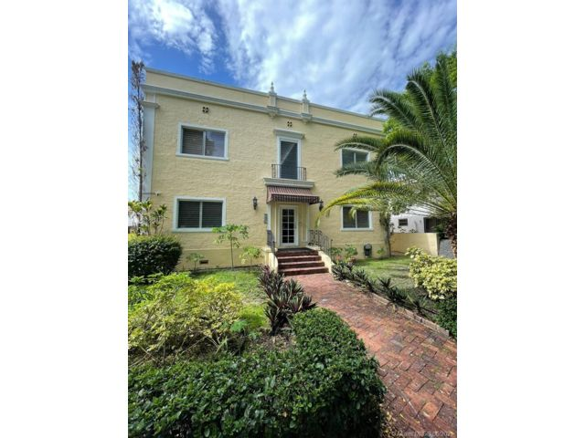 1 BR,  1.00 BTH  style home in Coral Gables