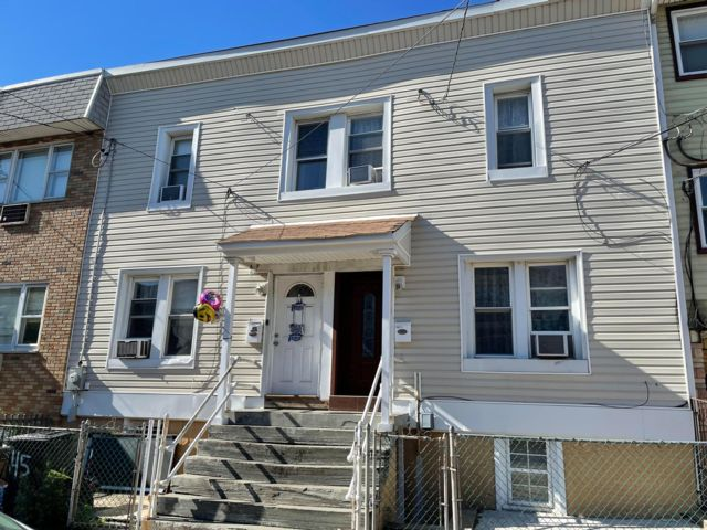 3 BR,  1.00 BTH 2 story style home in East Newark