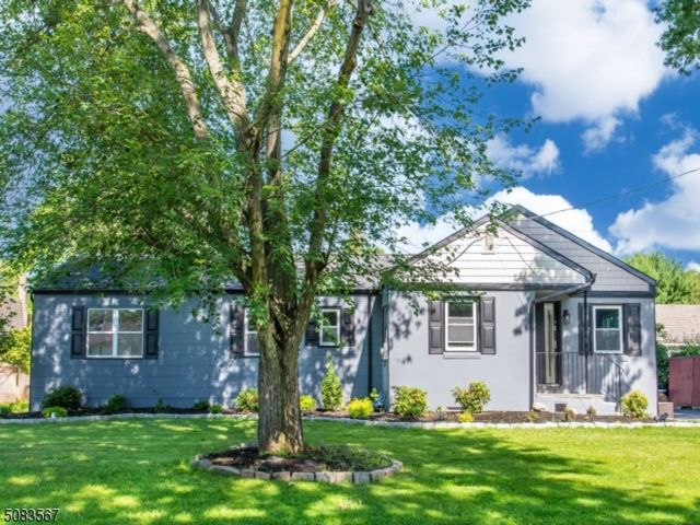 4 BR,  2.00 BTH Ranch style home in Fairfield