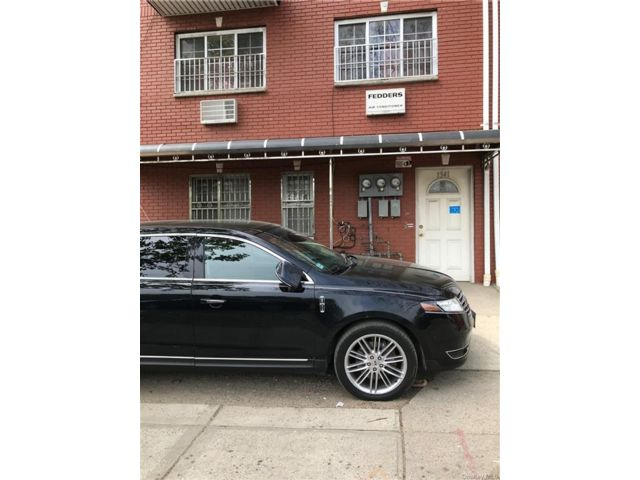 5 BR,  3.00 BTH Other style home in Soundview