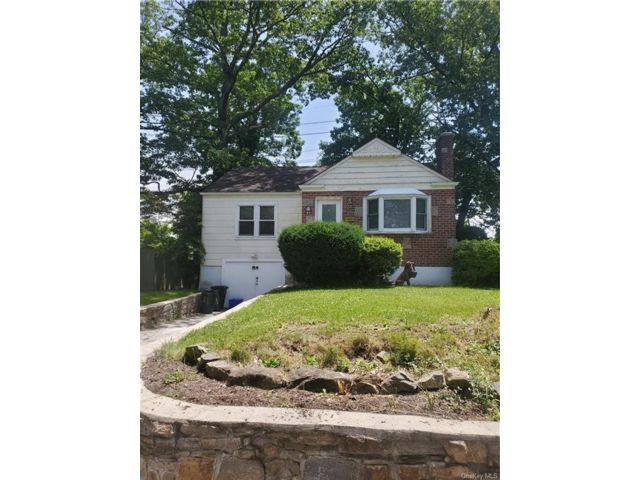 2 BR,  1.00 BTH Single family style home in Yonkers