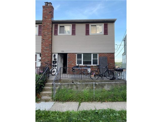 6 BR,  3.00 BTH Other style home in Yonkers