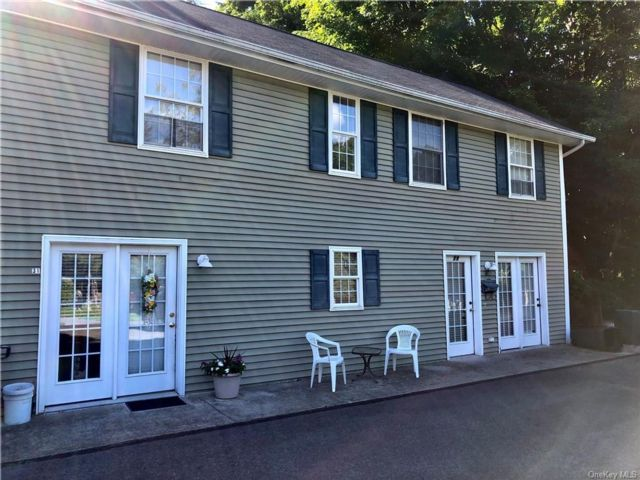 3 BR,  3.00 BTH Single family style home in Cornwall