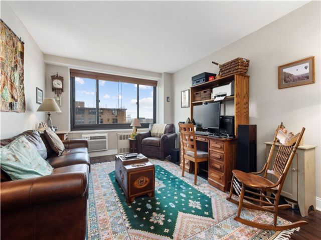 1 BR,  1.00 BTH Co-op style home in Clinton Hill