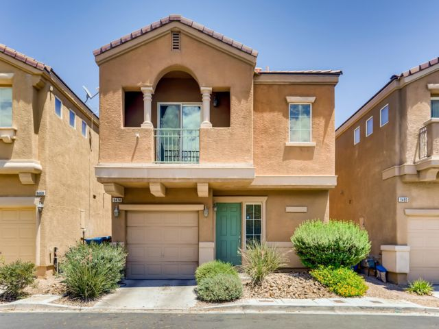 1 BR,  2.50 BTH 2 story style home in Las Vegas