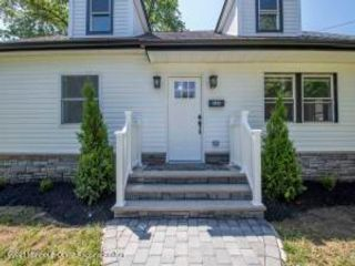 4 BR,  3.00 BTH Other - see rem style home in Eatontown