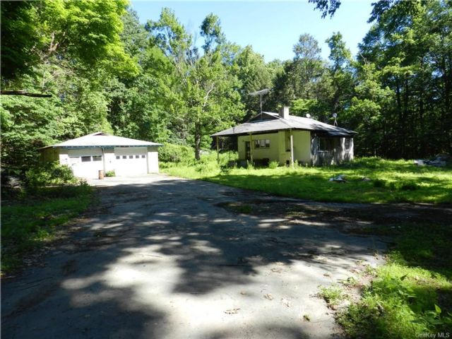 2 BR,  1.00 BTH House style home in Wawarsing