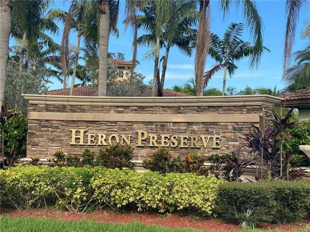 4 BR,  2.50 BTH Townhouse style home in Coral Springs