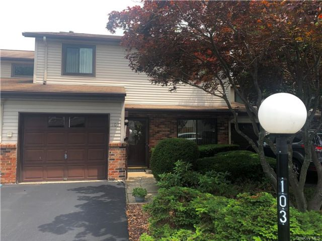 3 BR,  3.00 BTH Townhouse style home in New Windsor