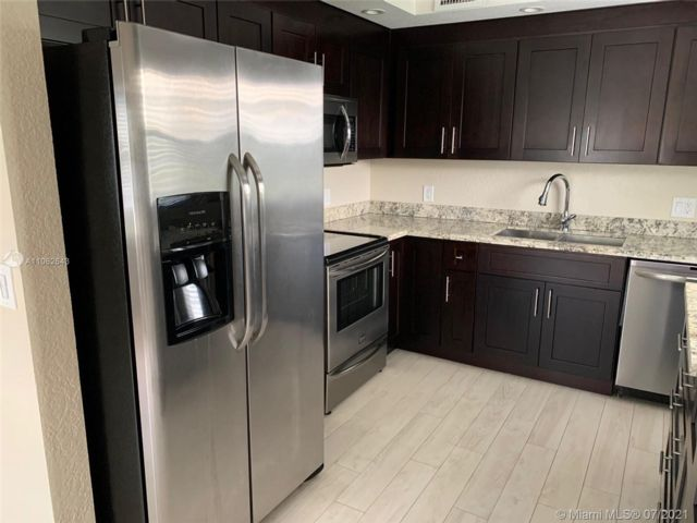 2 BR,  2.00 BTH  style home in Pembroke Pines