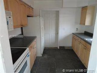 6 BR,  3.00 BTH  style home in Fort Lauderdale