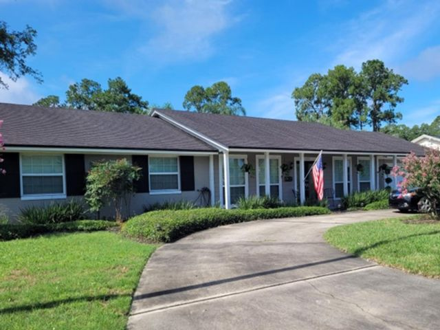4 BR,  2.50 BTH Ranch style home in Jacksonville