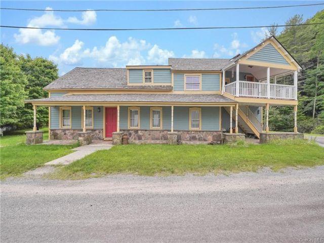 6 BR,  4.00 BTH Farmhouse style home in Delaware