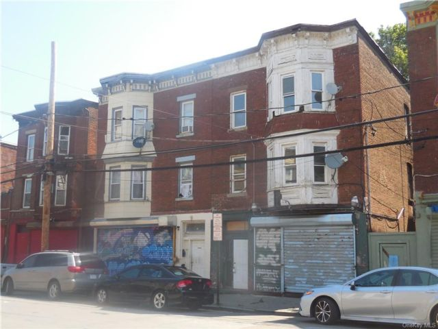 5 BR,  4.00 BTH Other style home in Newburgh City