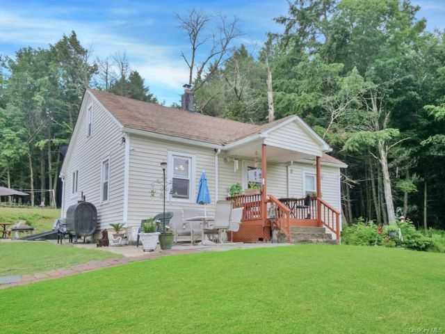 2 BR,  1.00 BTH Bungalow style home in Fallsburg