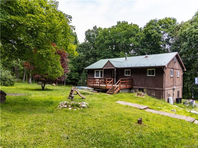 3 BR,  3.00 BTH Ranch style home in Mamakating