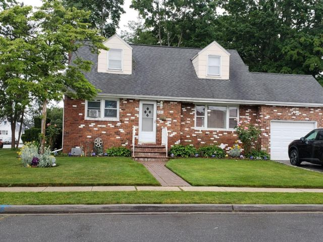 [Uniondale Real Estate, listing number 6996301]