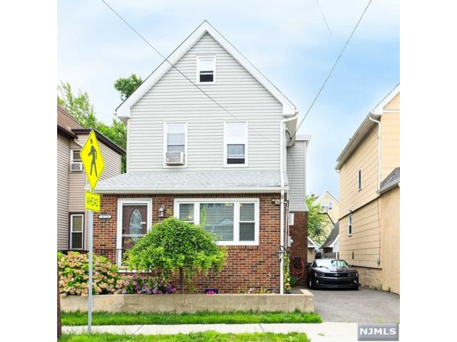 3 BR,  1.00 BTH Colonial style home in East Rutherford