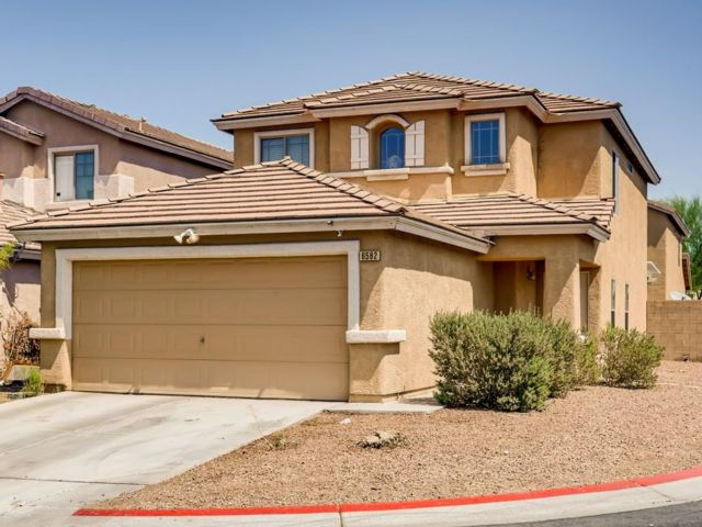 5 BR,  3.00 BTH 2 story style home in Las Vegas