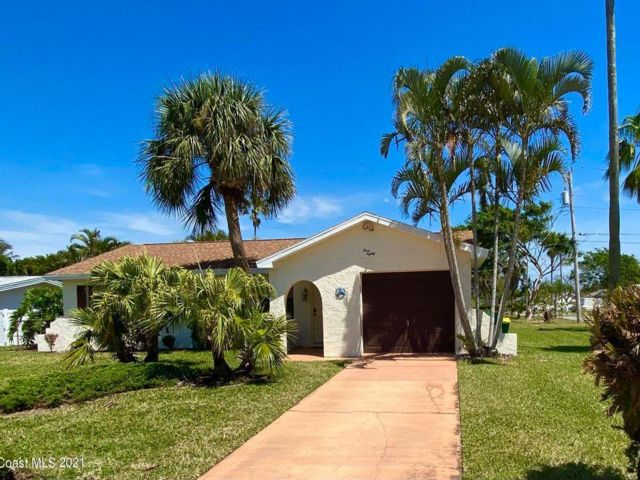 3 BR,  1.50 BTH  style home in Indialantic