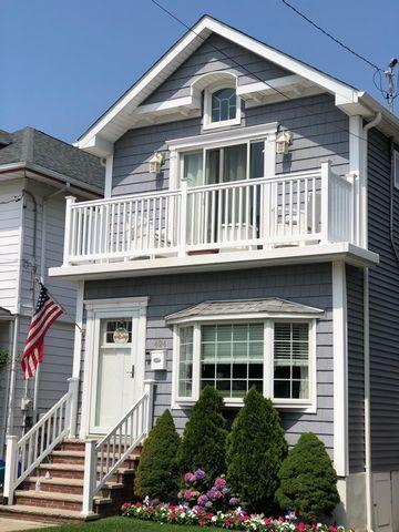 [Belle Harbor Real Estate, listing number 6996596]