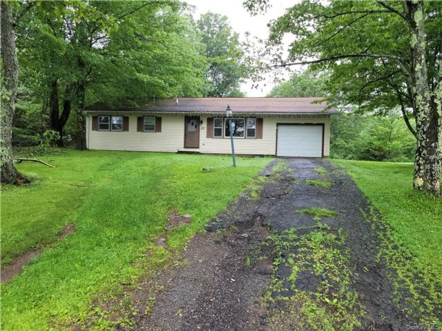 3 BR,  1.00 BTH Ranch style home in Fallsburg